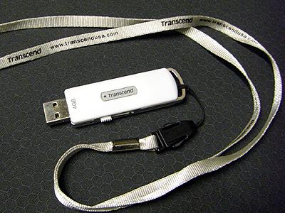 USBフラッシュメモリー4GB 1780円