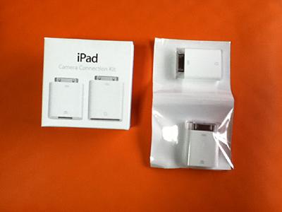 iPad2専用アクセサリー カメラコネクションキット