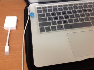 MacBook Air MC503J/A 磁石でスリープの巻