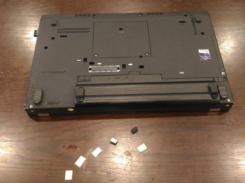 Lenovo X230 ゴム足の補修(簡易修理)その1 画像3